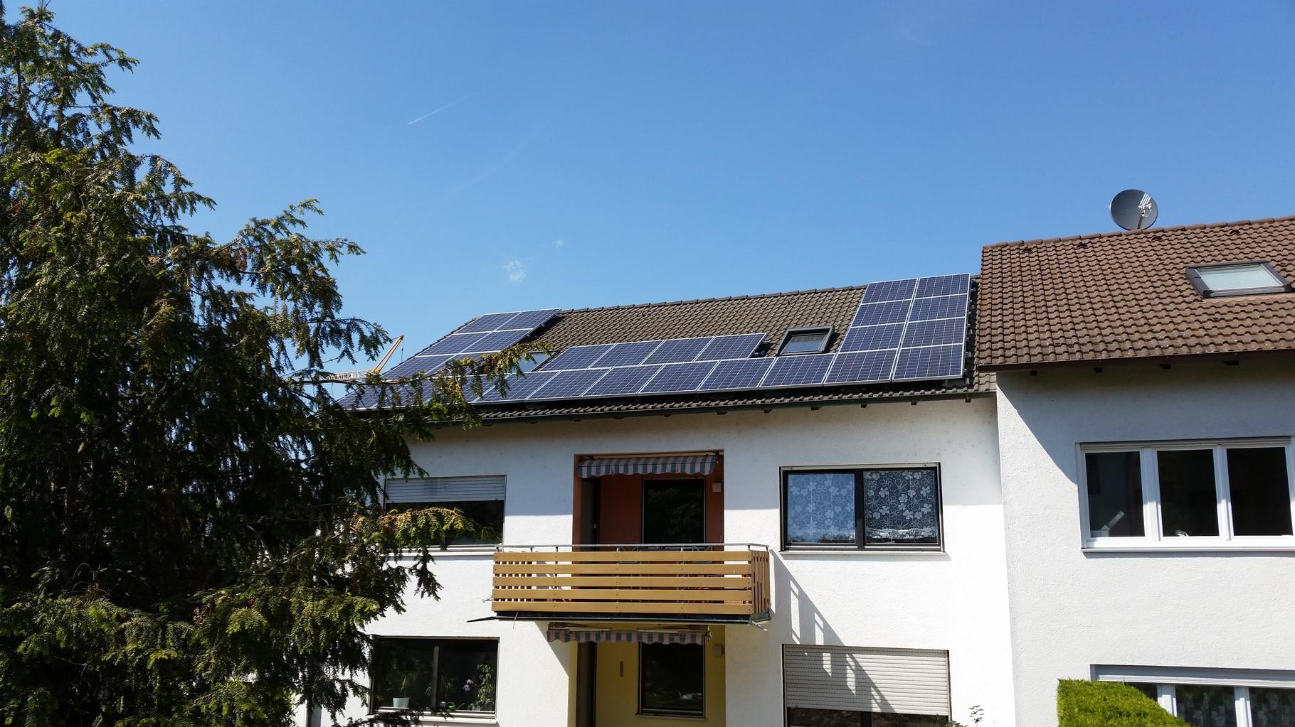 7 kWp Photovoltaikanlage 93077 Bad Abbach SHARP Modulen