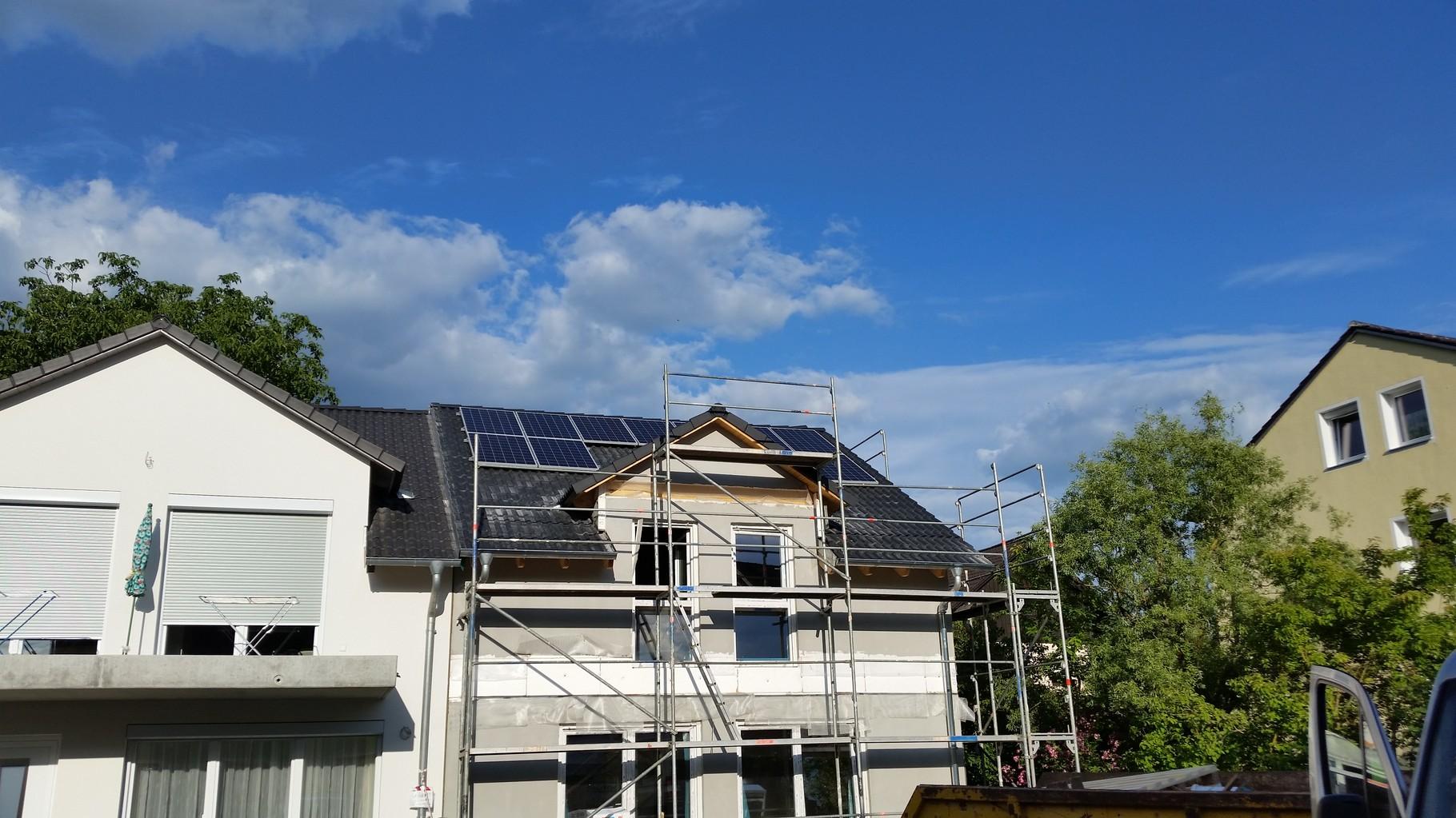 5,5 kWp Photovoltaikanlage 93105 Tegernheim SHARP Modulen