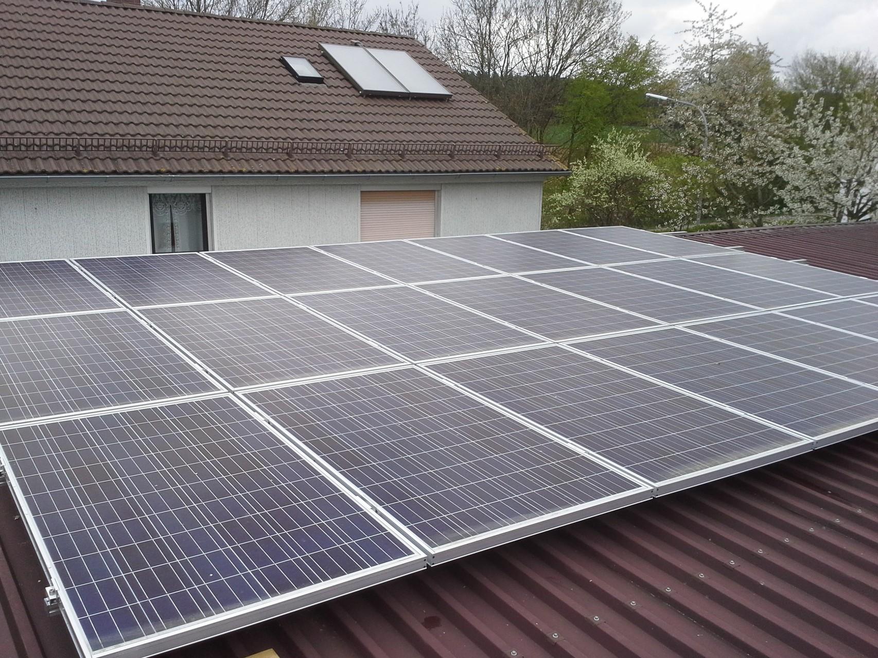 9,5 kWp in 93138 Lappersdorf/Schwaighausen SHARP Solar
