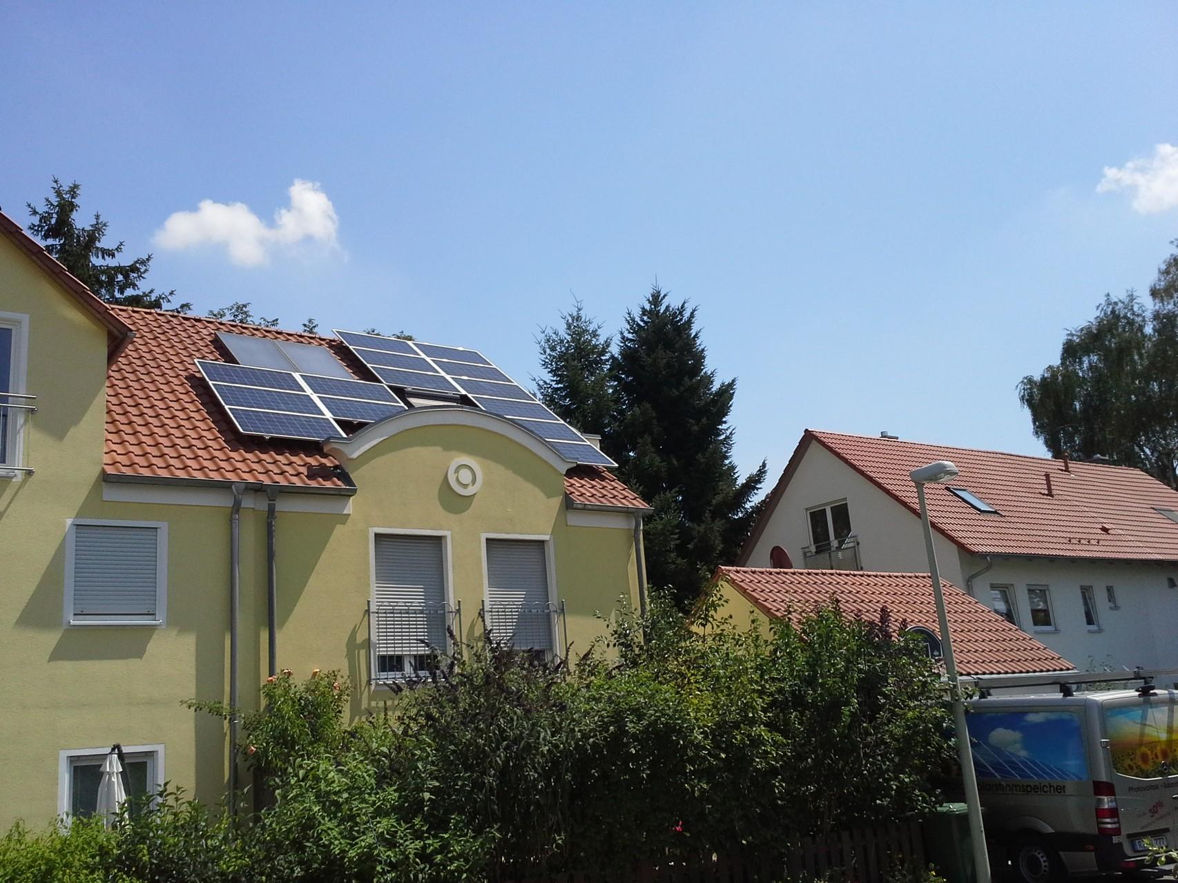 Phototovoltaikanlage 5,2 kWp in 93083 Obertraubling mit Solarfabrik und Senec Speicher