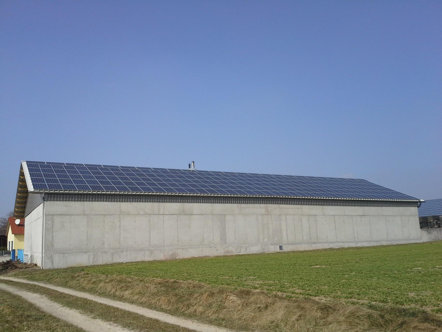 130 kWp Photovoltaikanlage 93351 Maierhofen SHARP Modulen