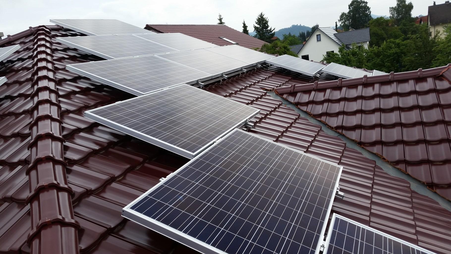 10 kWp Photovoltaikanlage 93105 Tegernheim SHARP Modulen