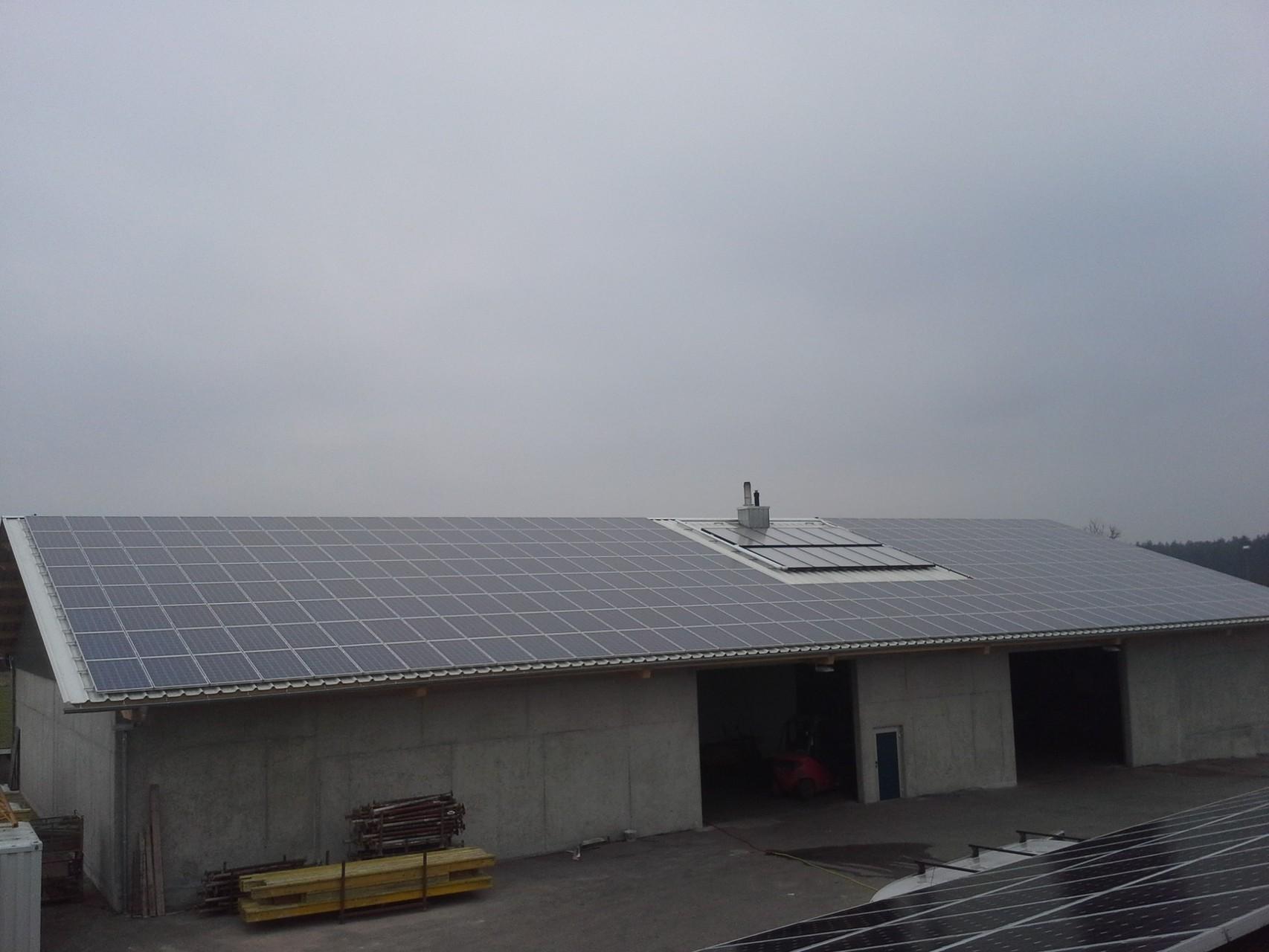 130 kWp Photovoltaikanlage 93351 Painten SHARP Modulen