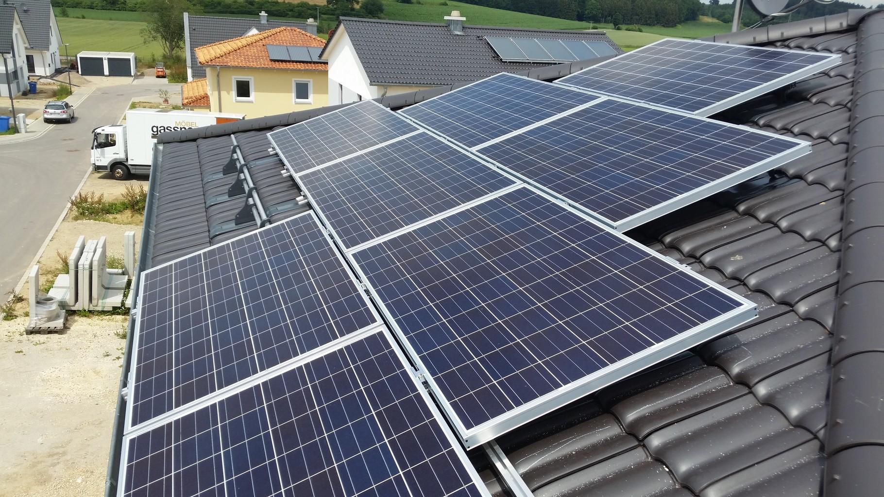 7,75 kWp Photovoltaikanlage 93356 TeugnSHARP Modulen