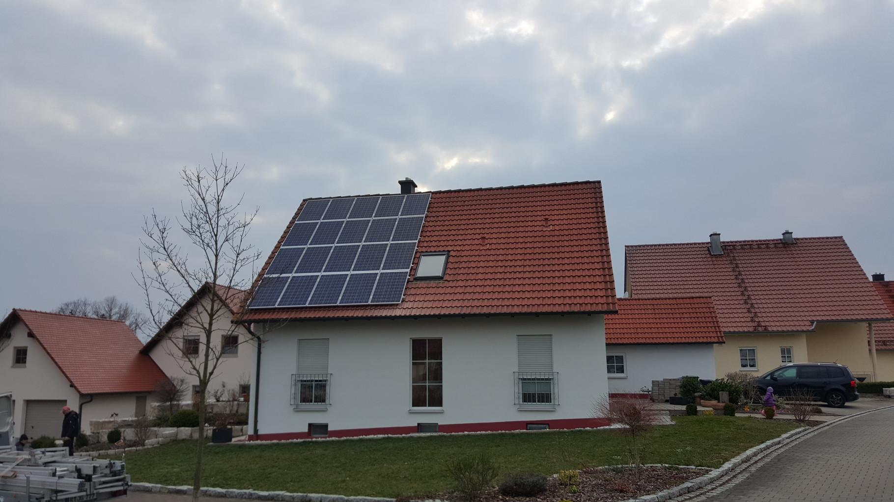 7,02 kWp Photovoltaikanlage mit Solarwatt Glas/Glas Module 30 Jahre Garantie mit Senec 5.0 Lithium Speicher