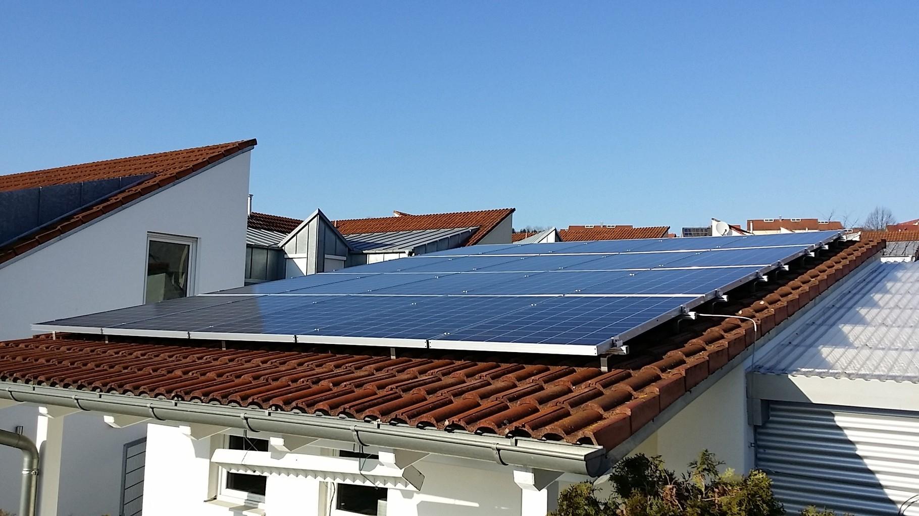 5 kWp Photovoltaikanlage 93077 Bad Abbach SHARP Modulen 4.5 Symo Fronius Wechselrichter