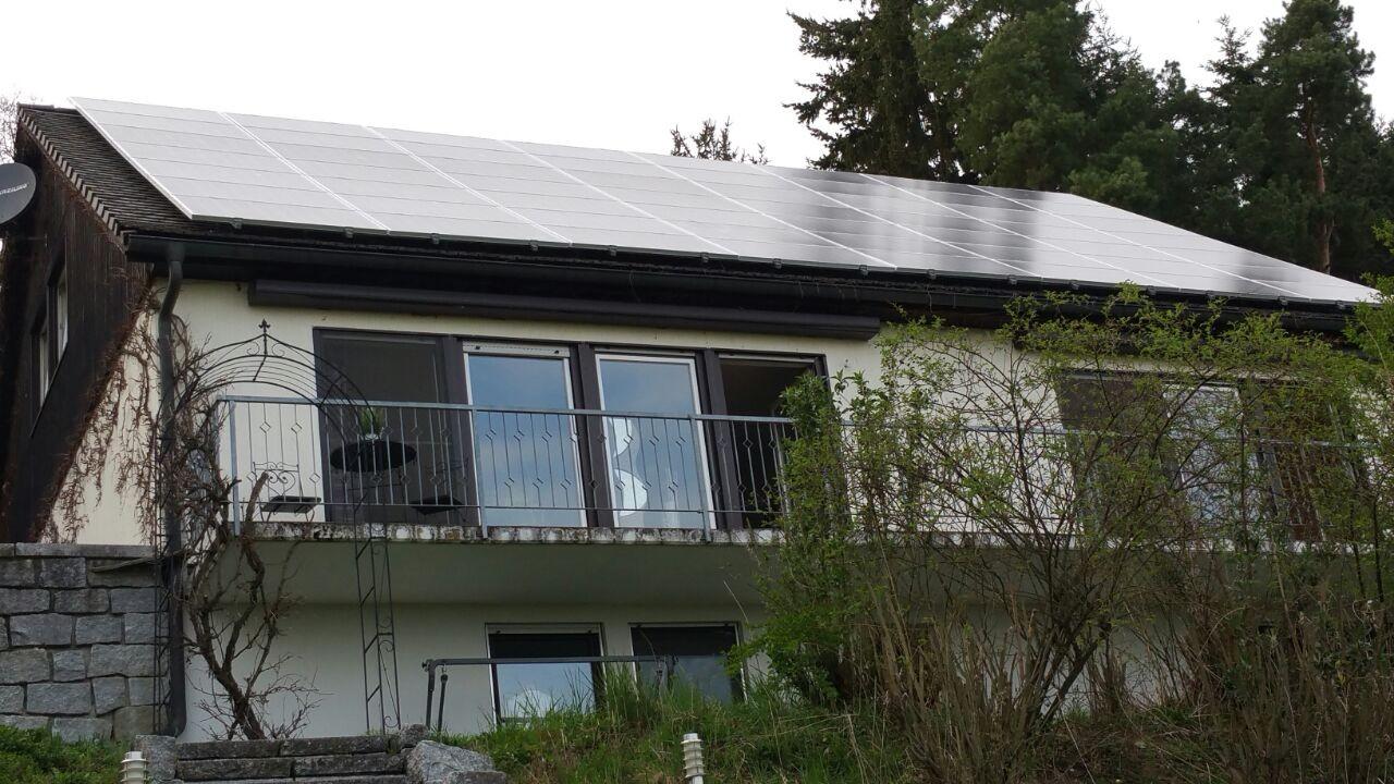 14 kWp Photovoltaikanlage 84164 Moosthenning SHARP Modulen mit Senec G2 Plus Speicher