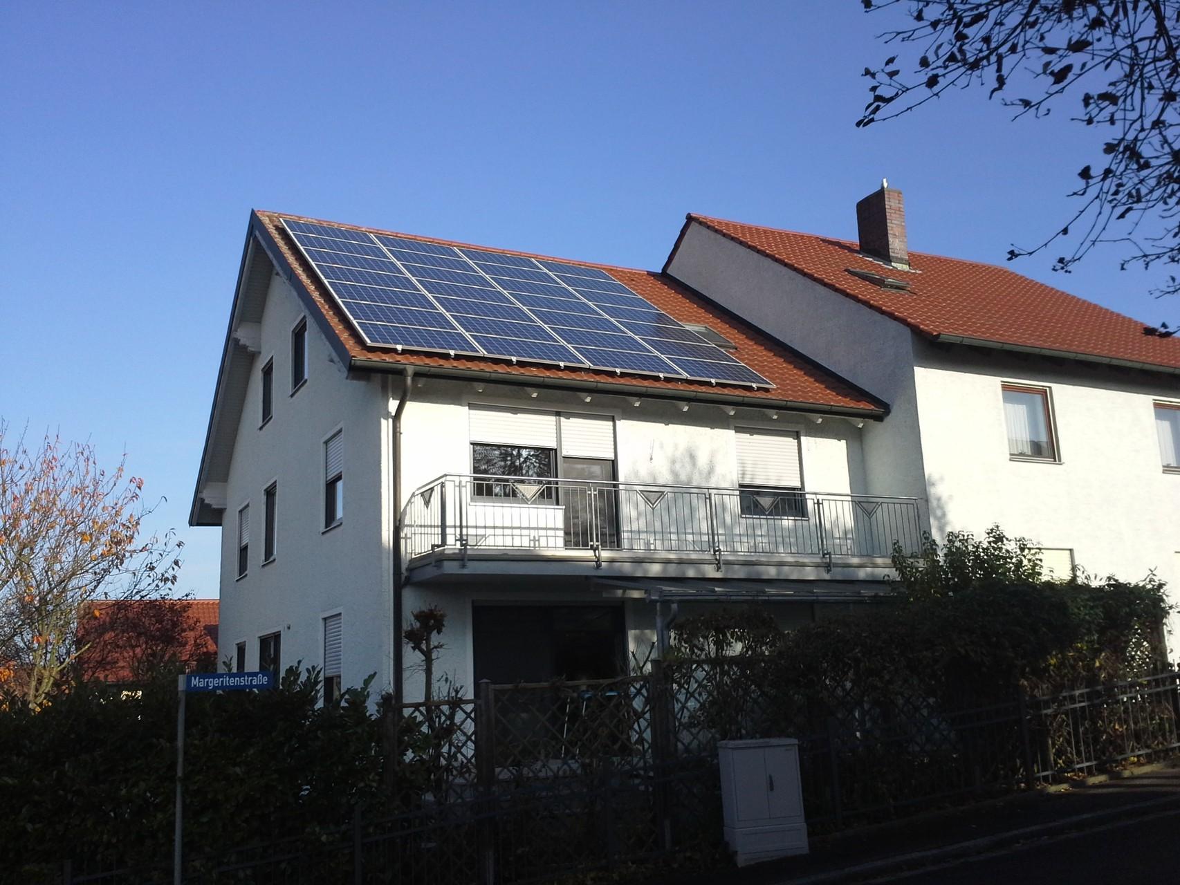 Phototovoltaikanlage 7,14 kWp in 93077 Lappersdor/Hainsacker mit Solarwatt Glas/Glas Module 30 Jahre Garantie