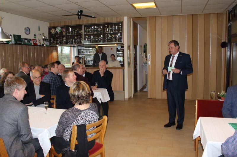 Harald Gries, 1. Vorsitzender begrüßt die Gäste.