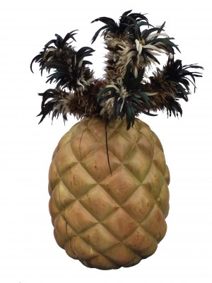 Pineapple with chicken feathers (150x70x70)