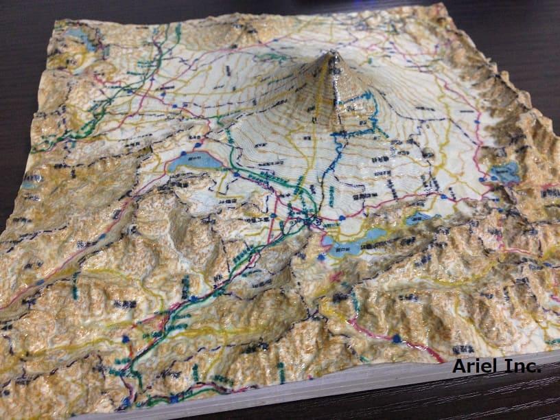 【プラスチック樹脂】立体地図、地形ジオラマ