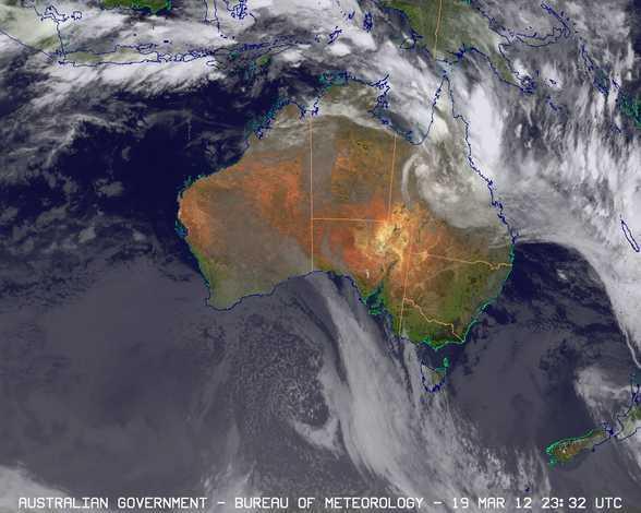 つい一昨日までTropical Cycloneだったものが熱帯低気圧に変わった。それがこんな感じの雲。日本列島だったら余裕で呑まれてる。