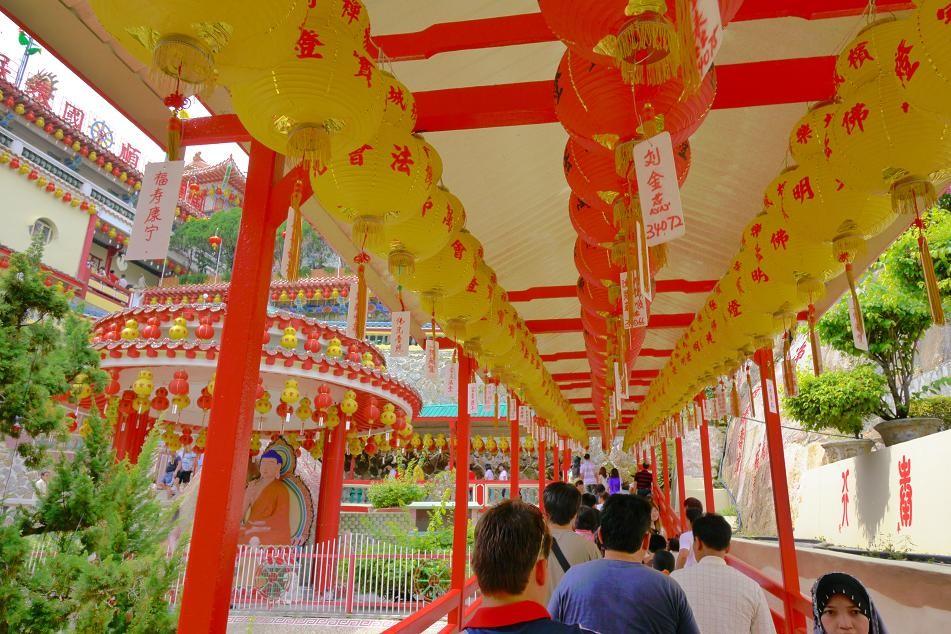 極楽寺。東南アジア最大級の仏教寺院。