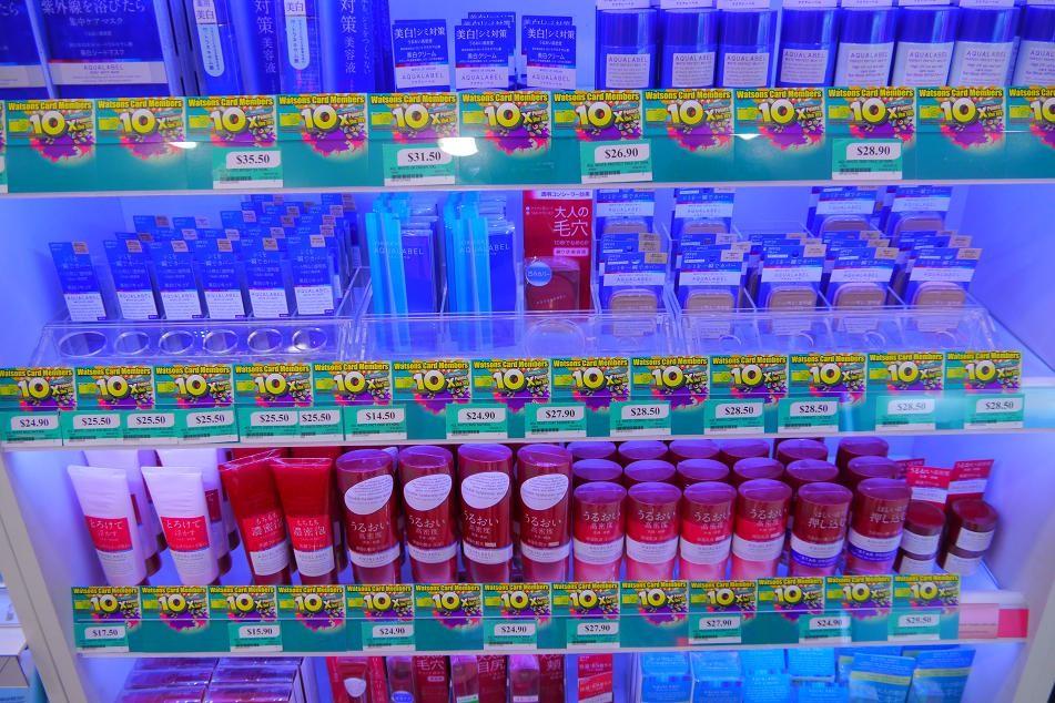 薬局には日本のプロダクトがいっぱい。