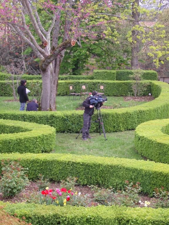 Tournage dans les jardins