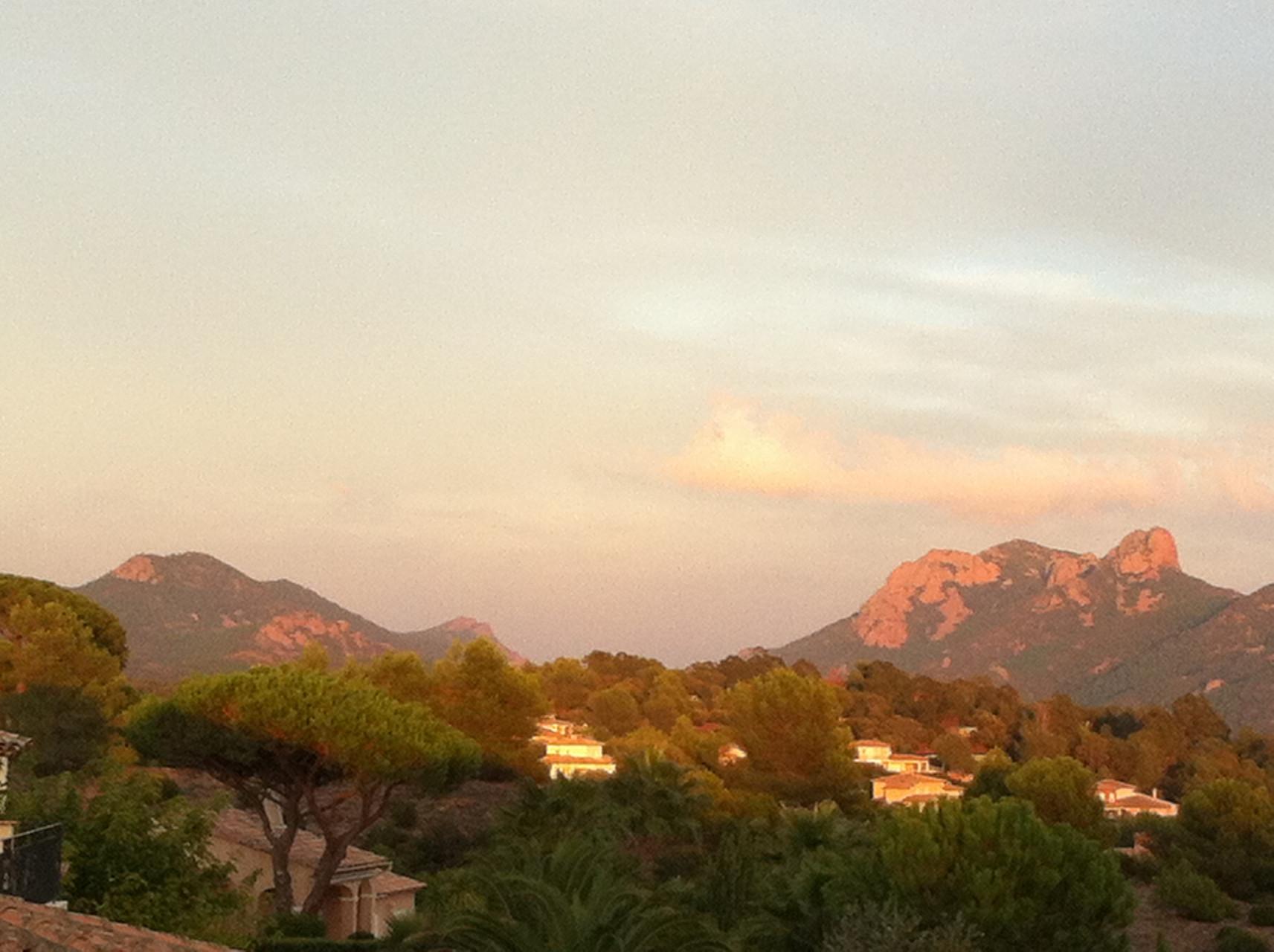 Coucher de soleil vu depuis la maison