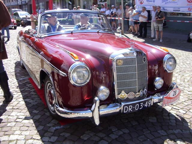MB 220S Cabrio