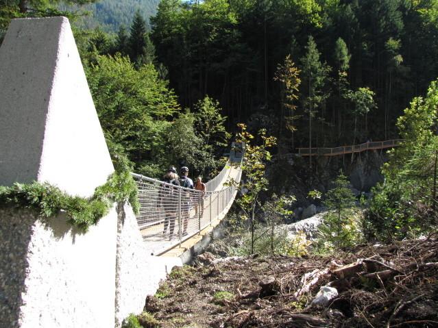 ... die neue Hängbrücke