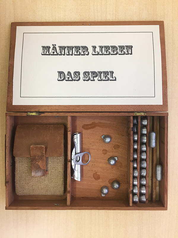 Männer lieben das Spiel / Men love to play / Les Hommes aiment le jeu (2016 / private collection)