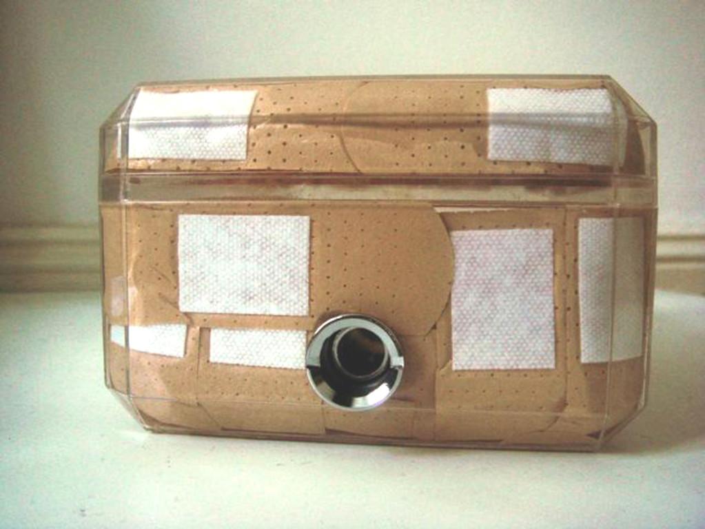 (2008, mixed media, 18x11,5x7,5cm)