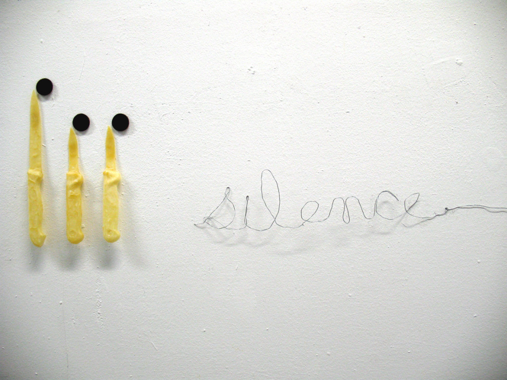 (2009, mixed media, felt, latex, wire)