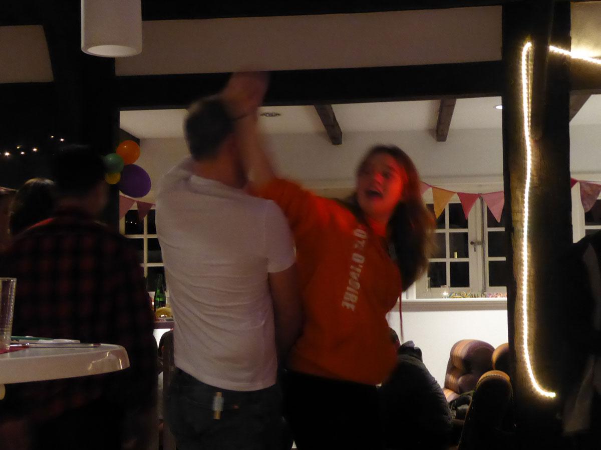 und Tanz