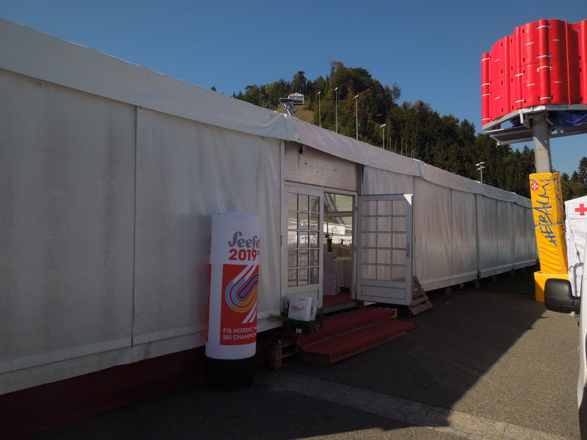 Eingang VIP Zelt