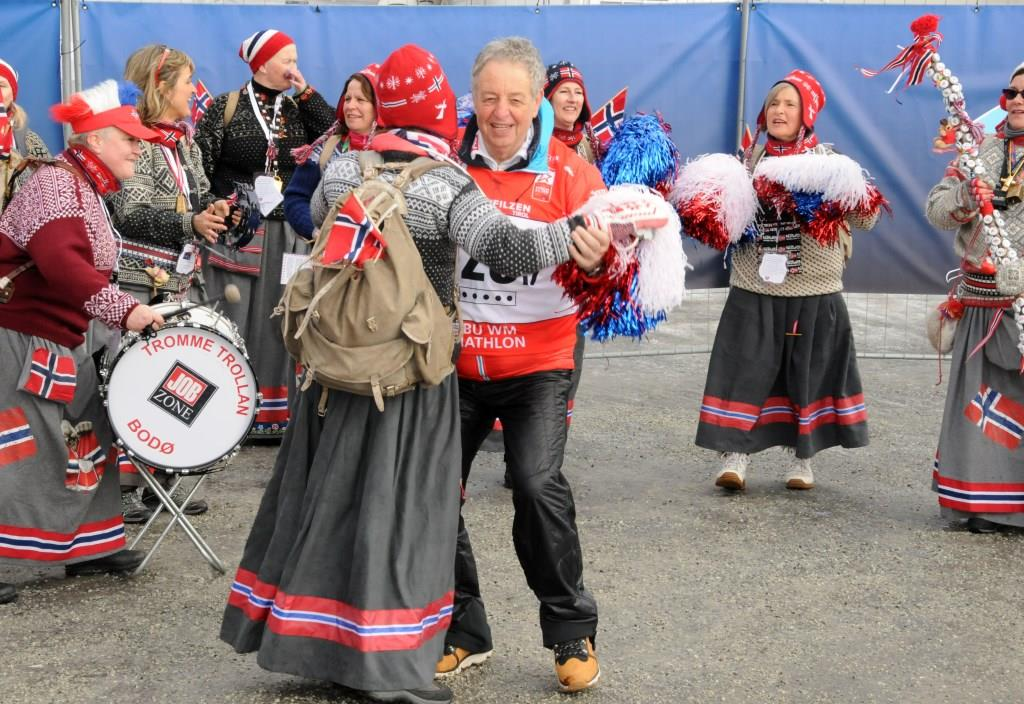 "Die Gruppe ""Trommetrollan"" aus Norwegen"