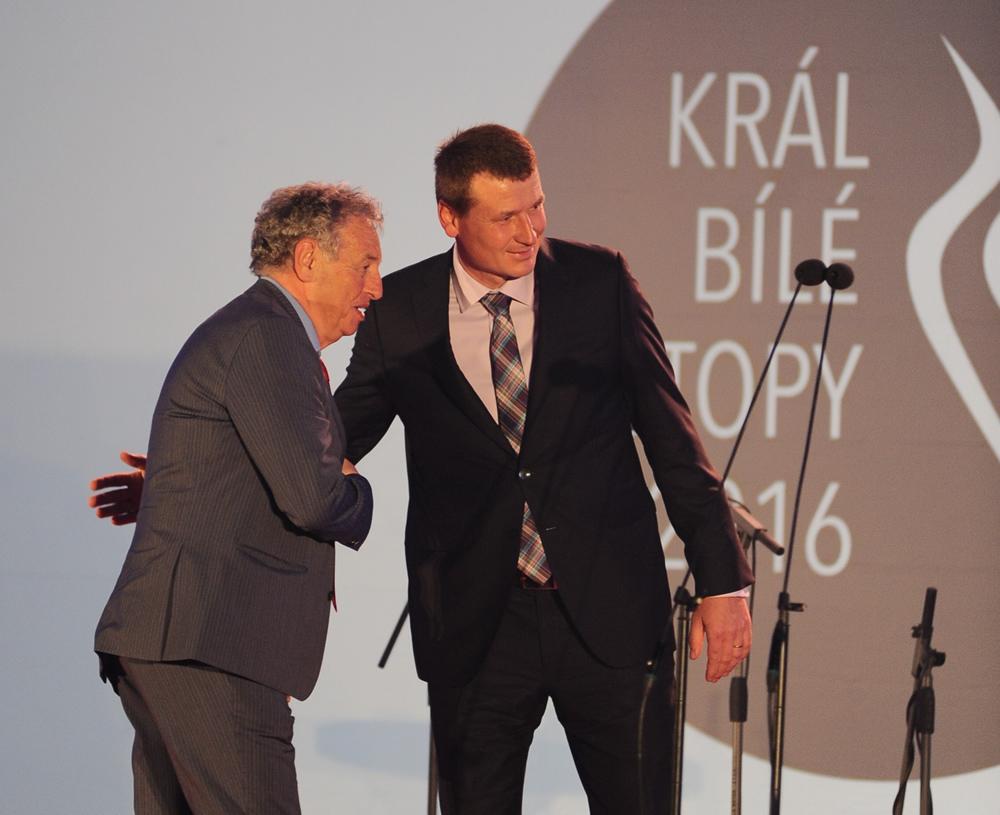 Der CZ Skiverband ehrt  DI Kurt Matz