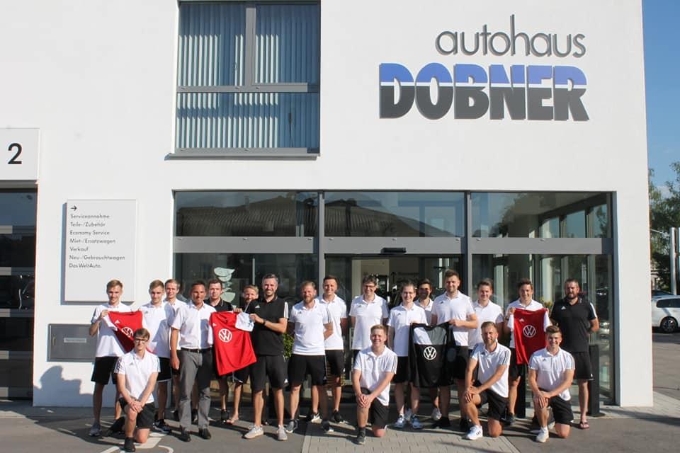 Neuer Trikotsatz von Autohaus Dobner