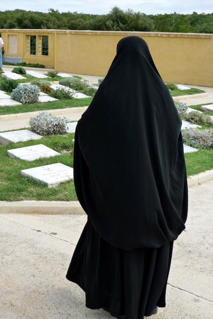Gallipoli peninsula (Gelibolu Yarımadası) Muslim mourner