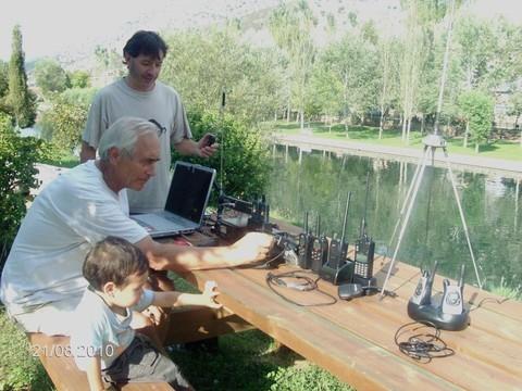 El pequeño Dani hijo de EA1GDN futuro radio aficionado.- Contactos digitales. FRN