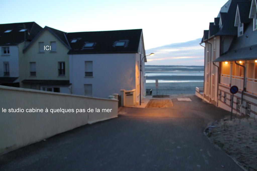 Notre studio bord de plage avec vue village