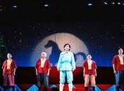 装置・照明・音響、そして俳優の演技…演劇は総合芸術です。