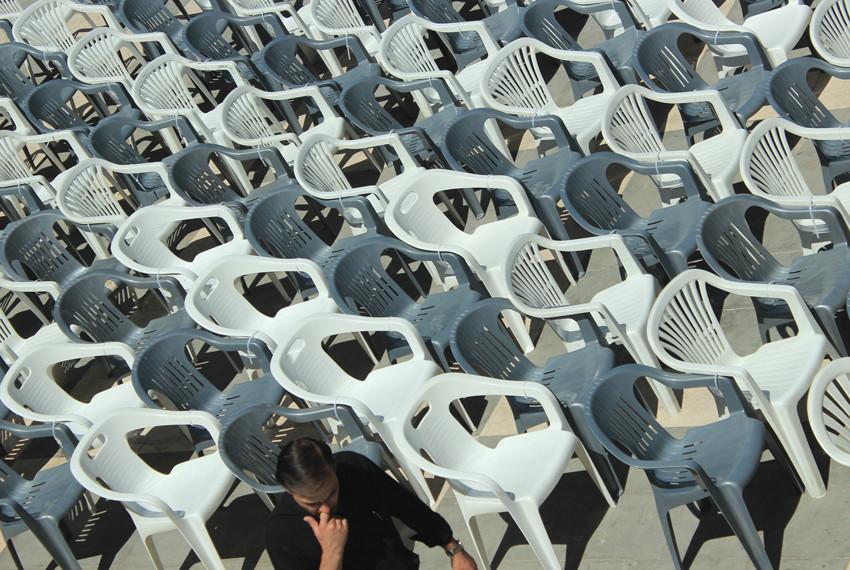«Блин, одного стула не хватает»