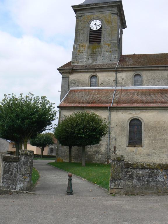 chemin menant à l'église