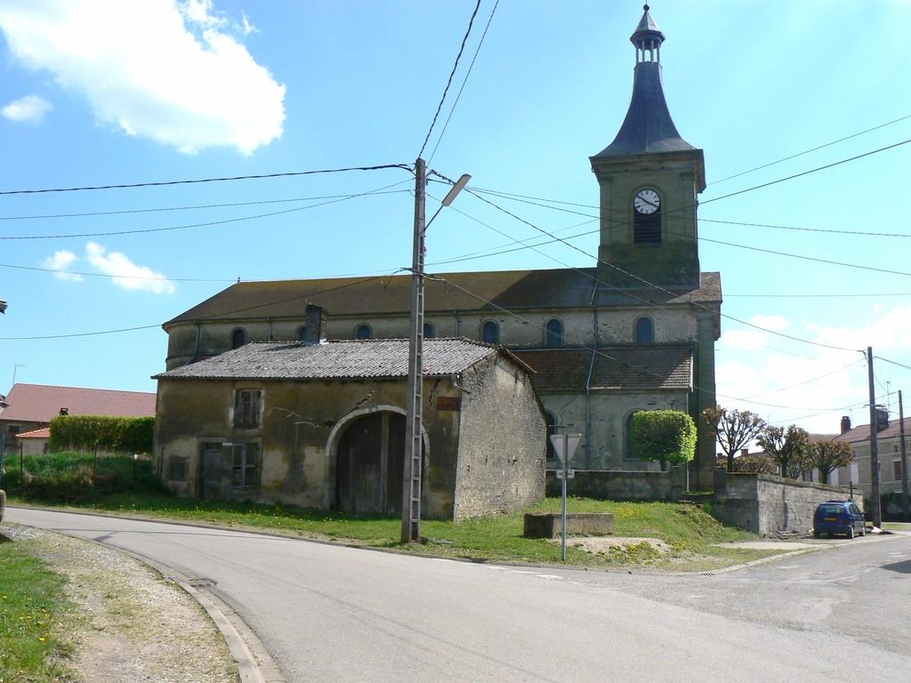 vue prise sur la route ménant à Vrécourt