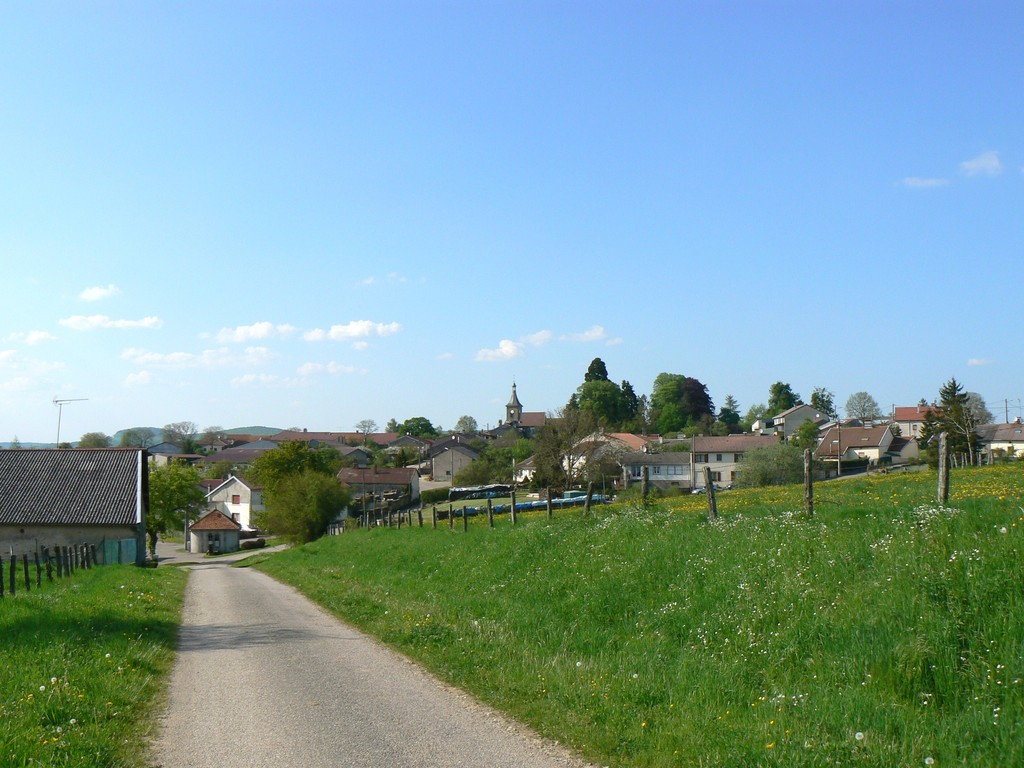 vue prise sur le chemin descendant de Chesnois