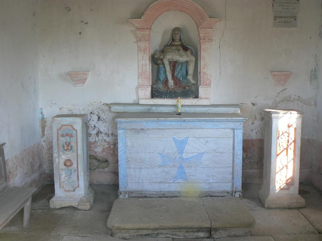 intérieur chapelle cimetière