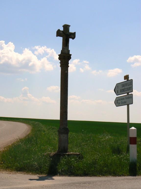 croix Maillery érigée en mémoire d'une jeune fille