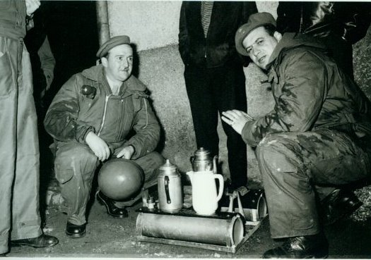 1956 TdL  links  Sergent-chef Henri Scholer  rechts Sergent-chef  Wies Armand