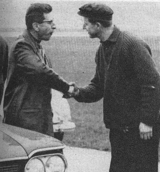 1962 Slalom Findel Henri Mannes gratuliert Honoré Wagner zu seinem Siege