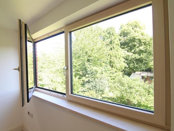 Fenêtre HF310 en bois et alu
