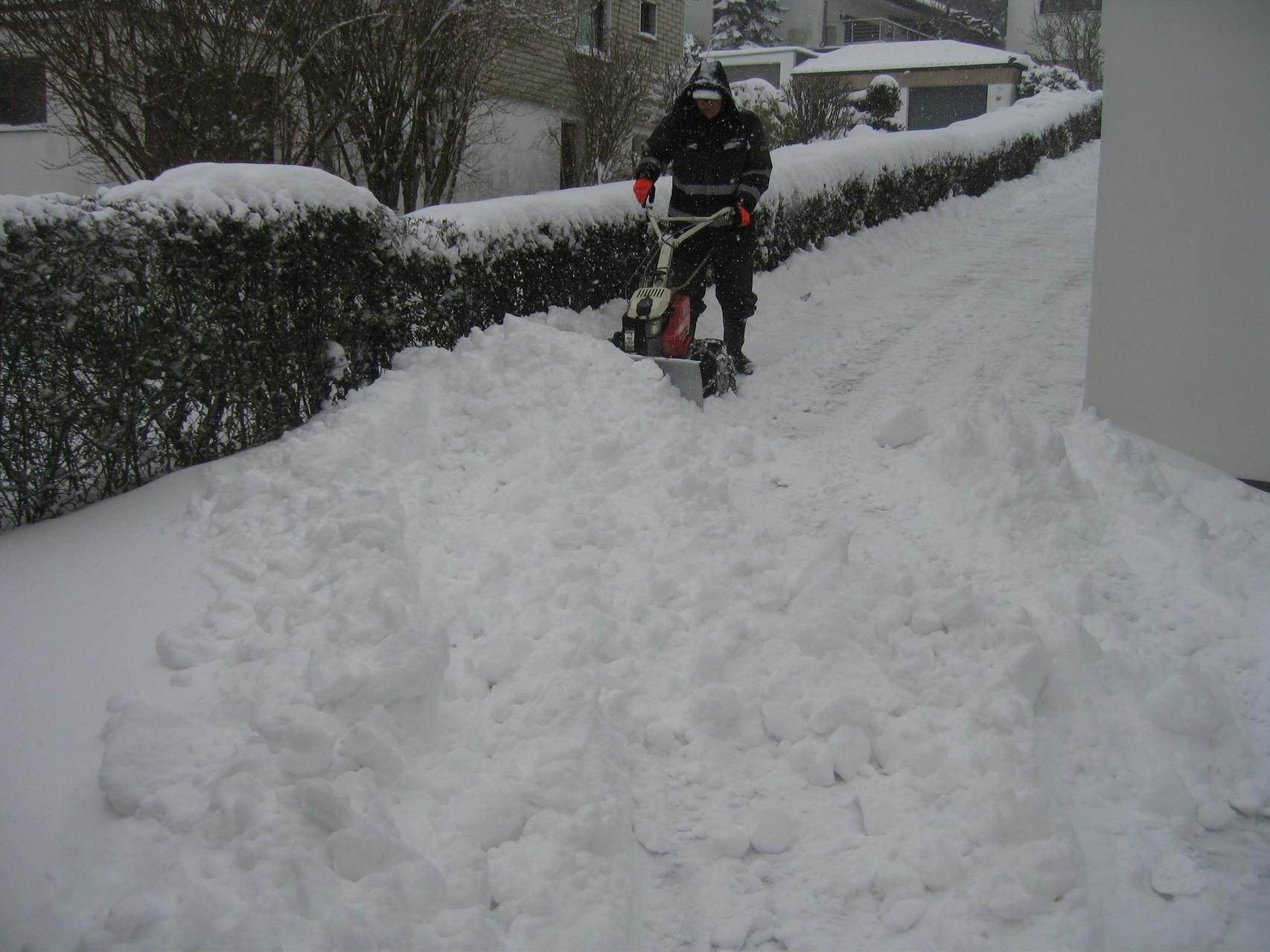 Winterdienst auf unserem Hof