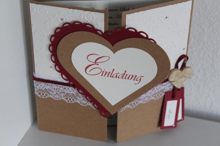 EV-11 mittig zu öffnen. Auf die Innenseite des Herzes arbeiten wir gerne ein Bild von Euch ein.