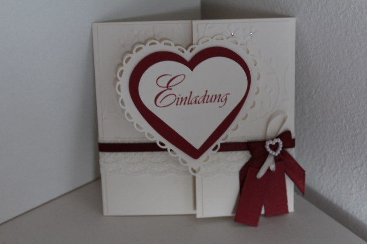 EV-35 Format 13x13 cm.mittig zu öffnen. Auf die Innenseite des Herzes arbeiten wir gerne ein Bild von Euch ein.