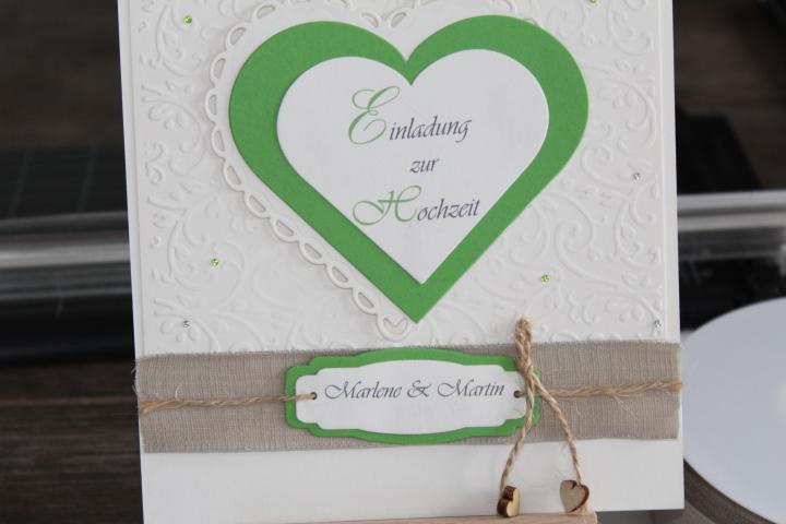 EH 99 Nach oben zu öffnen. Gerne arbeiten wir auf die Herzinnenseite ein Bild von  Euch ein. Anhänger mit den Namen des Brautpaares.