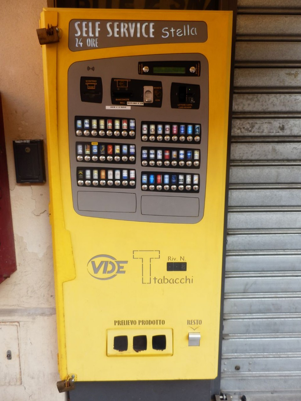 Sigarettenautomaat. Hoezo één Europa!!