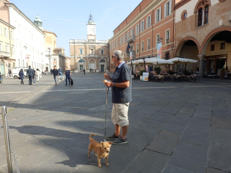 Het grote plein en mijn grote vriend