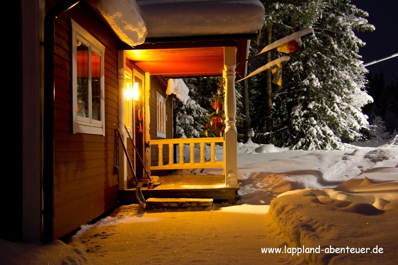 nils holgersson mit offenem kamin und sauna lappland abenteuer. Black Bedroom Furniture Sets. Home Design Ideas